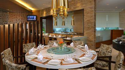 White Violet Restaurant at Hotel Majestic Court Sarovar Portico Navi Mumbai 6