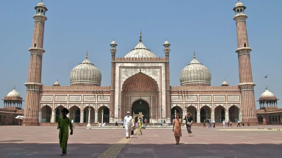 Jama-Masjid, la place sarovar portico lucknow, lucknow hotels