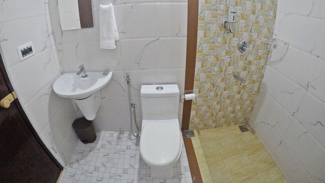 Hotel Room Near Kochi,  Sapphire Club Cherai Beach Villa, Cherai Hotels 2