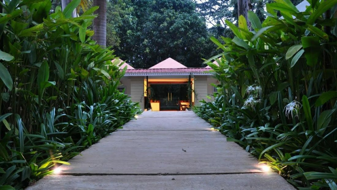 Reception from courtyard - Lulung Aranya Nivas