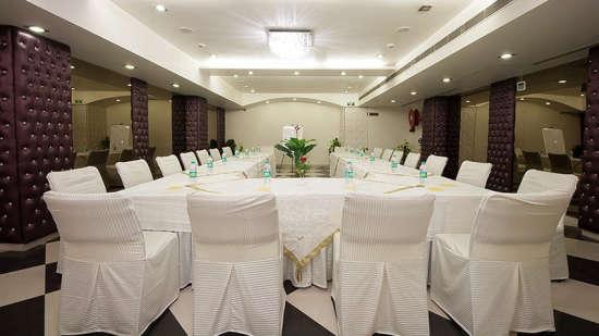 Emblem Hotel @ Hero Honda Chowk Gurugram Gurugram Conference Room Emblem Hotel Near Hero Honda Chowk Gurugram 2