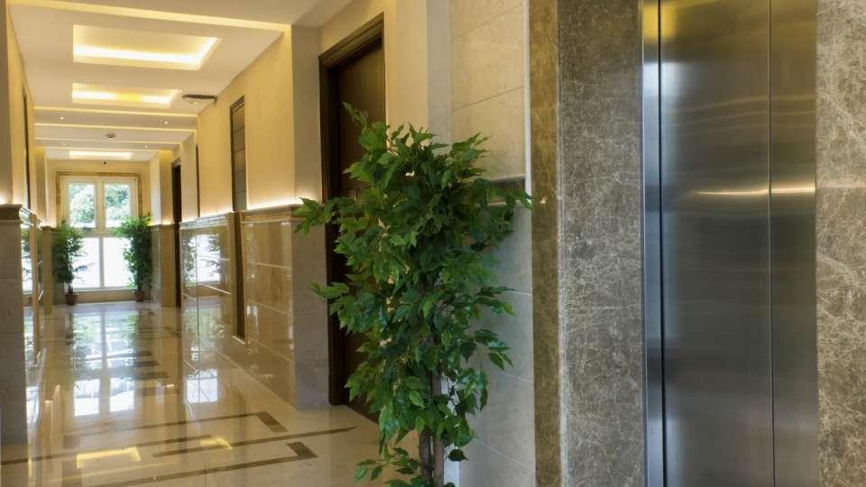 Hotel Suvarna Inn, MG Road, Bangalore Bangalore Lift  Hotel Suvarna Inn  MG Road  Bangalore
