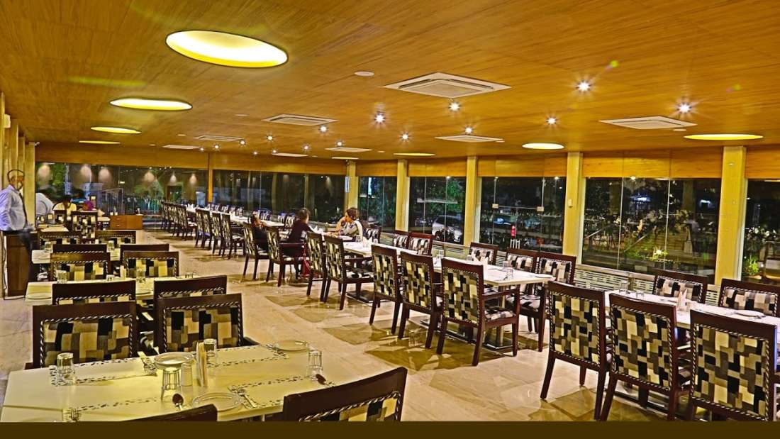 Restaurant Sai Priya Beach Resort Vizag