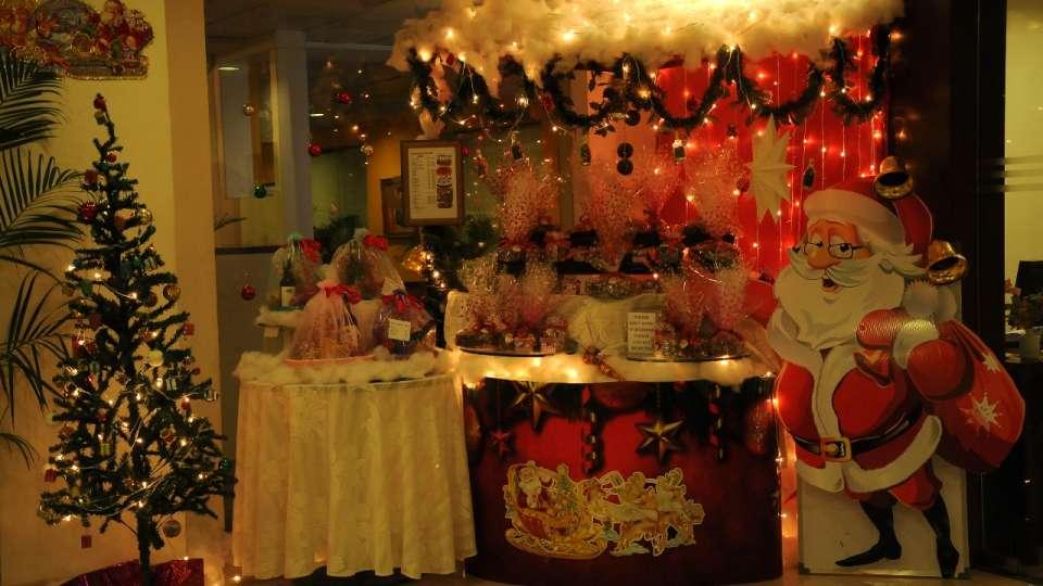 christmas-kiosk-1-evoma-bangalore
