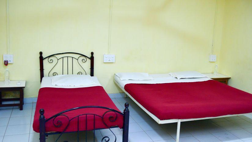 Cottage Room Interior - Durshet