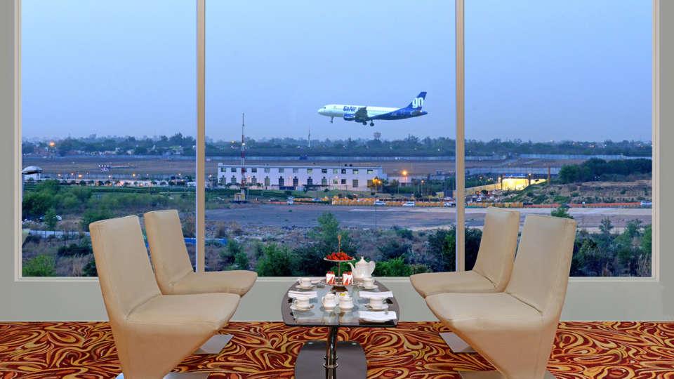 Lounge 2 Taurus Sarovar Portico IGI Delhi