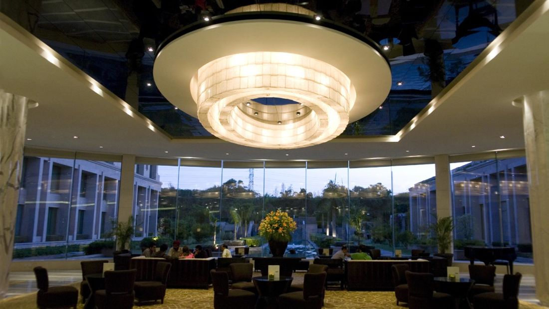 crystal lounge bar in New Delhi, bar in Vasant Kunj, The Grand New Delhi 28
