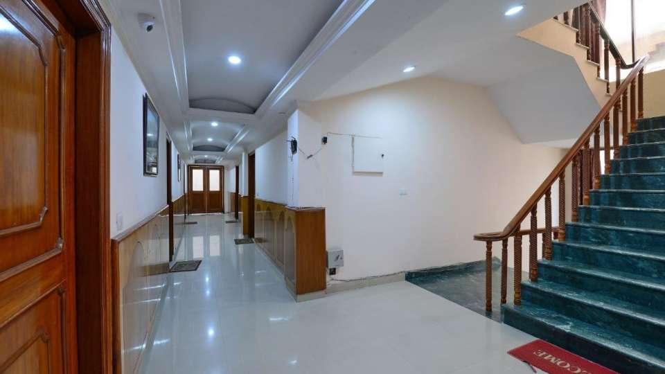 Hotel Kashish Residency & Banquet Noida 82ea58c670d811e7a2500a4cef95d023