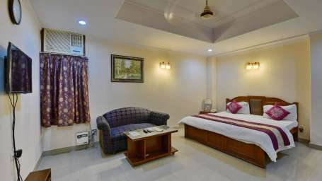 Hotel Kashish Residency & Banquet Noida 154737a0559c11e7830e0a2b4e9b5835