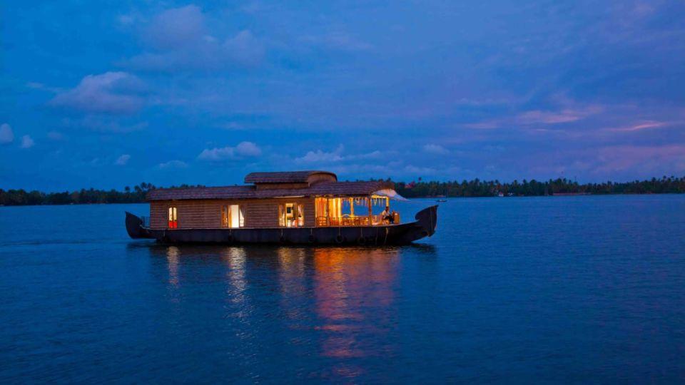 IMG-20190922-WA0018, Houseboats in Alleppey, luxury houseboats in Alleppey, premium houseboats in Alleppey, backwater cruise in Kerala, luxury houseboats in Kumarakom, houseboat cruise in Kumarakom, best houseboats in Kerala