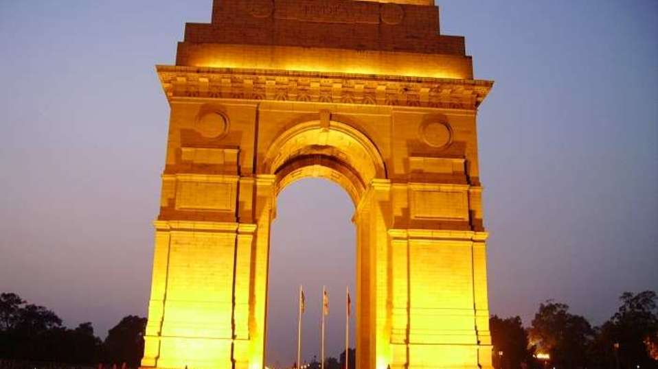 India Gate, The Ashtan Sarovar Portico, Business Hotel In Green Park 3