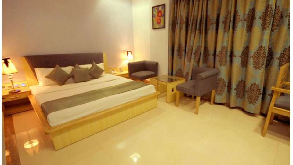 Hotel Malik Continental New Delhi And NCR 49280246