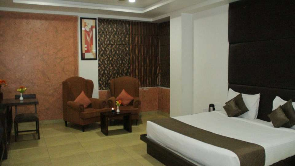 premium rooms TGI Apple Inn Jaipur 4