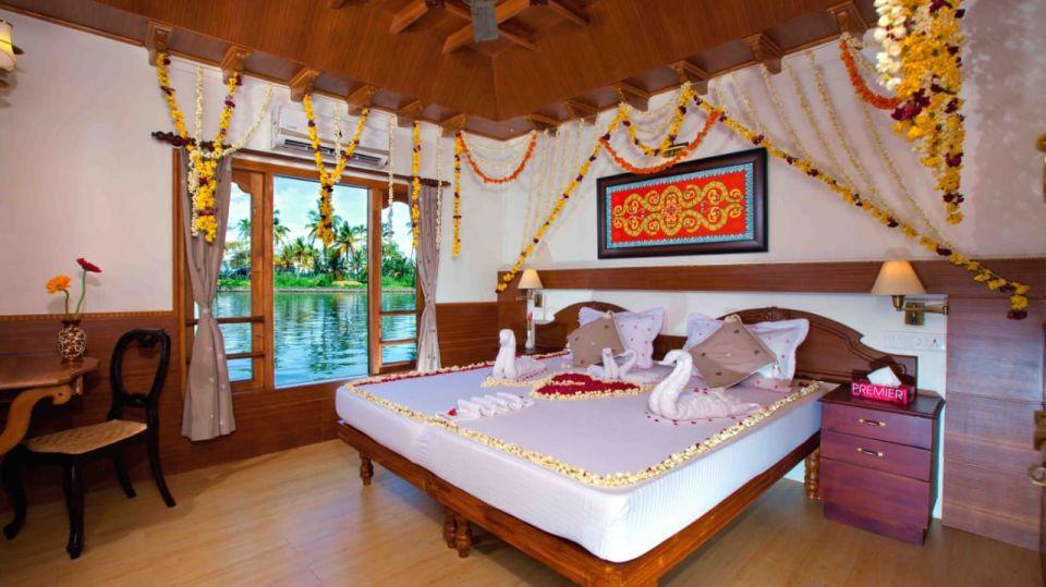 IMG-20190922-WA0001, Houseboats in Alleppey, luxury houseboats in Alleppey, premium houseboats in Alleppey, backwater cruise in Kerala, luxury houseboats in Kumarakom, houseboat cruise in Kumarakom, best houseboats in Kerala