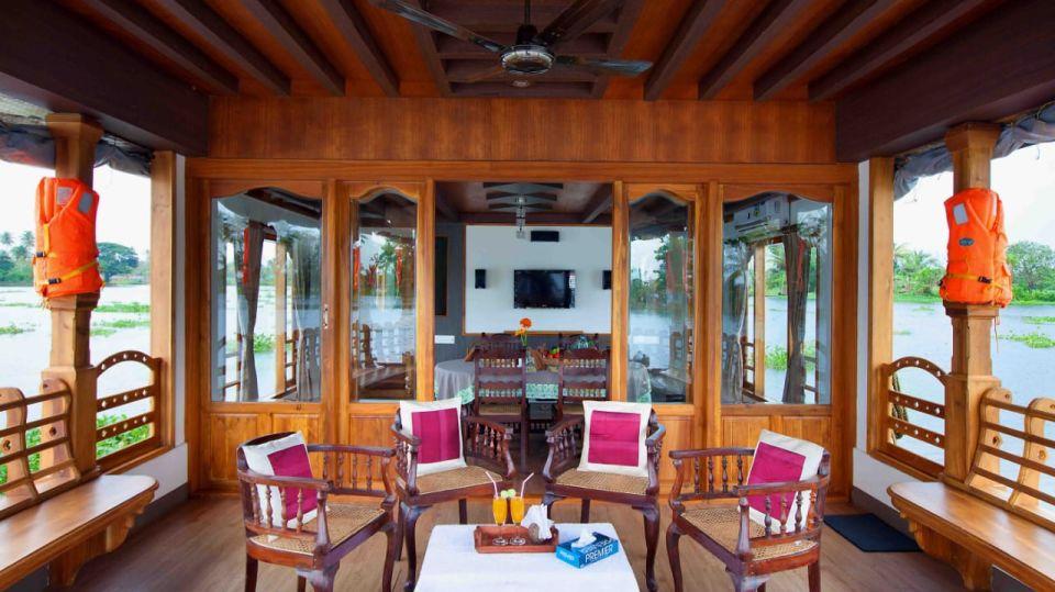 IMG-20190922-WA0009, Houseboats in Alleppey, luxury houseboats in Alleppey, premium houseboats in Alleppey, backwater cruise in Kerala, luxury houseboats in Kumarakom, houseboat cruise in Kumarakom, best houseboats in Kerala