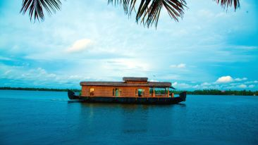 IMG-20190922-WA0029, Houseboats in Alleppey, luxury houseboats in Alleppey, premium houseboats in Alleppey, backwater cruise in Kerala, luxury houseboats in Kumarakom, houseboat cruise in Kumarakom, best houseboats in Kerala
