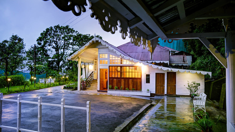 Facade at Summit Swiss Heritage Hotel Darjeeling 14 oiarsc