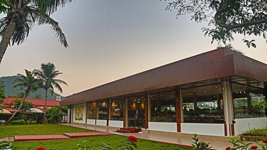Restaurant Sai Priya Beach Resort Vizag 3
