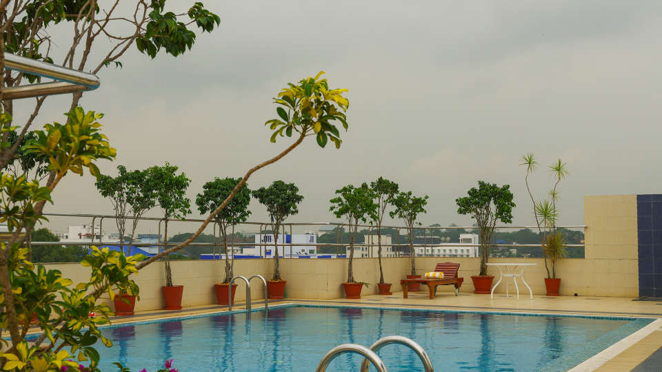 Swimming Pool Classic Sarovar Portico Thiruvananthapuram