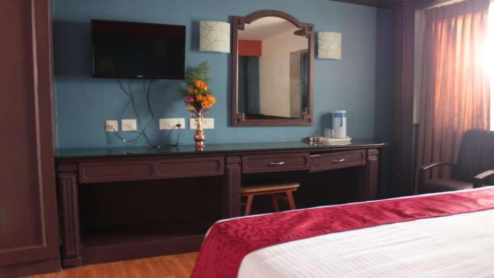 Jayaraj Residency, Kodaikanal  Deluxe Room Jayaraj Residency Kodaikanal 20