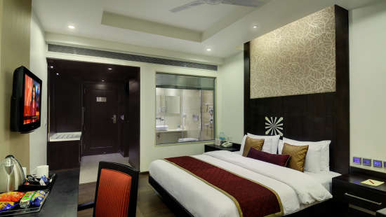 Executive Room Hotel Godwin Deluxe New Delhi 3