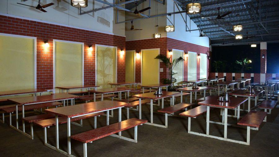 alt-text Dining Hall - Kundalika