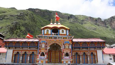temple-of-badrinath-char-dham Chardham Experience with Leisure Hotels