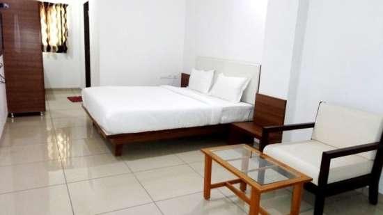 Hotel Ashray Inn Express Ahmedabad Hotel Large Bed