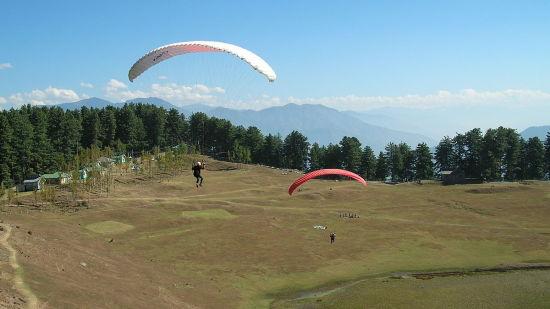 Hotel Samson, Patnitop Patnitop 1200px-Paragliding at Sanasar