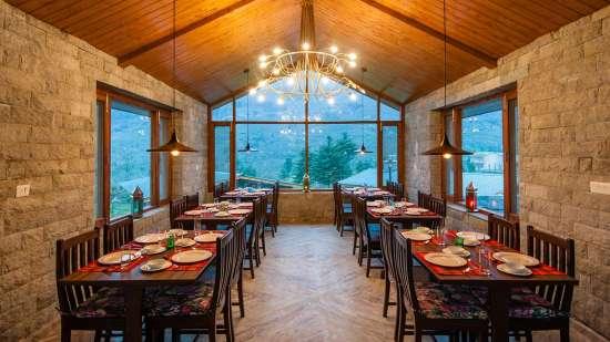 restaurant LaRiSa Mountain Resort Manali - places to eat in Manali