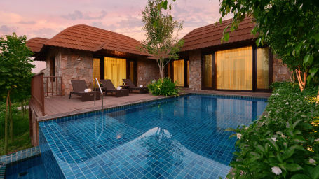 Presidential suite pool at ananta udaipur suites in Udaipur i2ocjh
