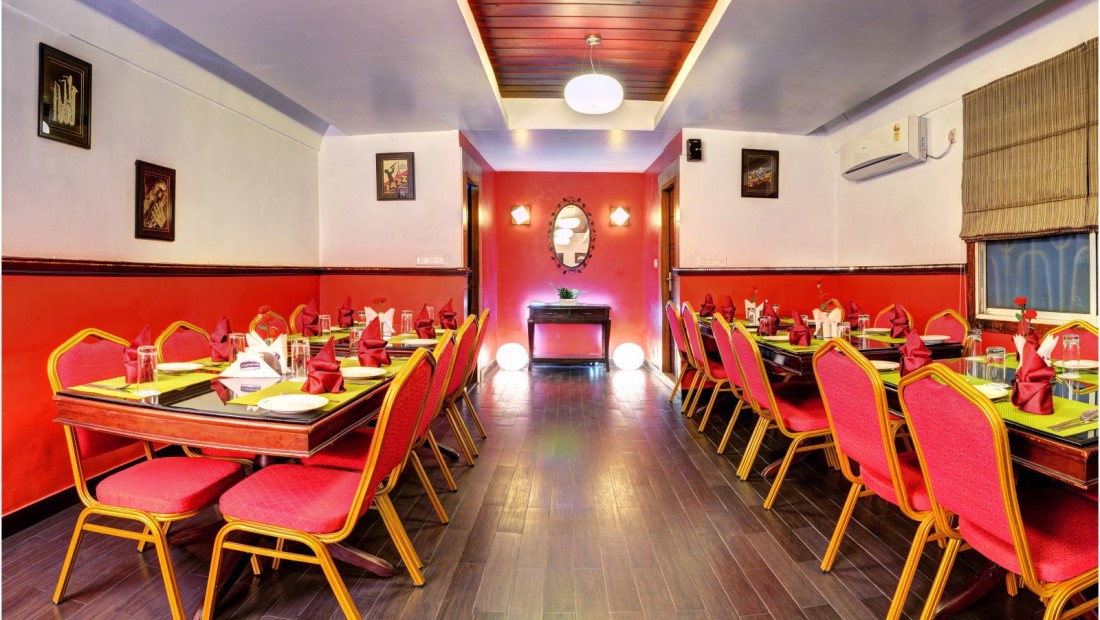 Restaurant at Mount Embassy Hotel in Siliguri