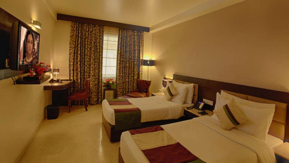 Club Room Levana Hotel Hazratganj Best Hotels near Hazratganj