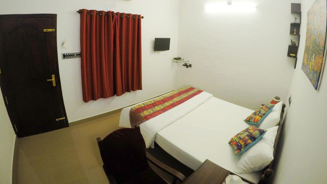 Hotel Room Near Kochi,  Sapphire Club Cherai Beach Villa, Cherai Hotels 1