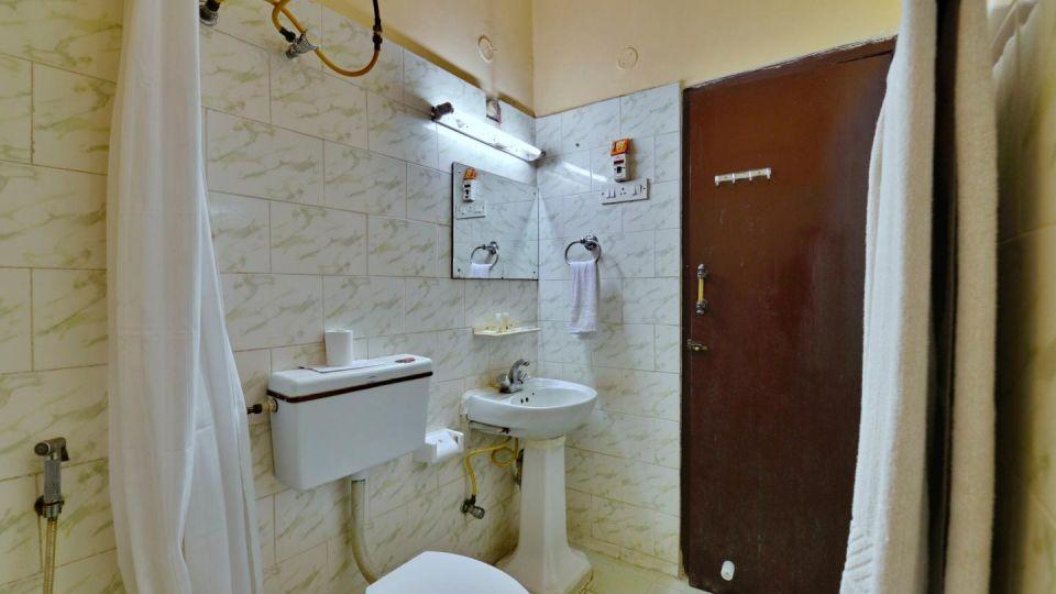 Deluxe Washroom