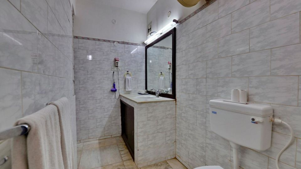 Suite Washroom