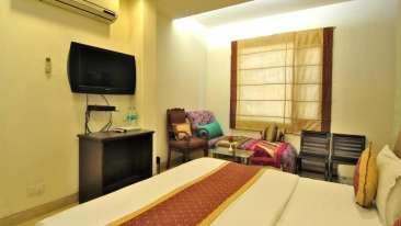 The Hermitage Hotel, New Delhi New Delhi Super Deluxe Room The Hermitage Hotel New Delhi 4