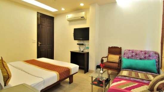 The Hermitage Hotel, New Delhi New Delhi Super Deluxe Room The Hermitage Hotel New Delhi 3