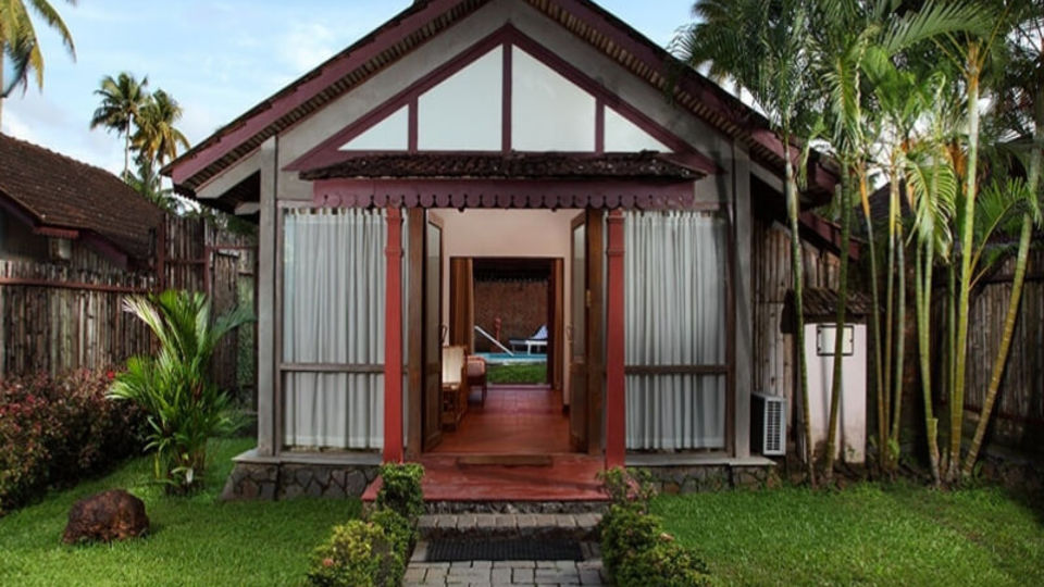 Places to stay in Kumarakom, Hotel rooms in Kumarakom, Abad Whispering Palace, Kumarakom- 17