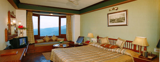 Sun n Snow Inn Hotel Kausani Kausani Suite Room 1 Sun n Snow Inn  hotels in Uttarakhand, resorts in uttarakhand, hotels in kausani 9966