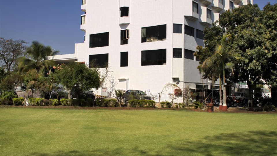 VITS Luxury Business Hotel, Aurangabad Aurangabad Lawn at VITS Luxury Business Hotel Aurangabad
