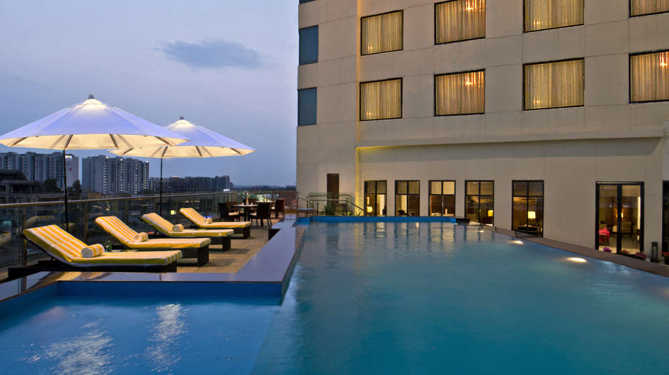 Swimming Pool Park Plaza Zirakpur 2