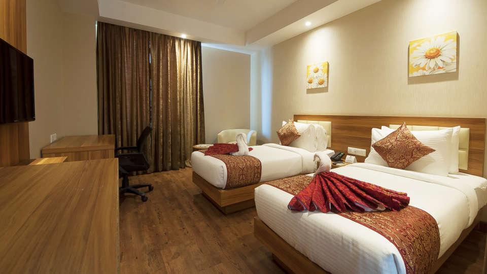 Le ROI Haridwar Hotel Haridwar Deluxe Room Le Roi Haridwar Hotel 5