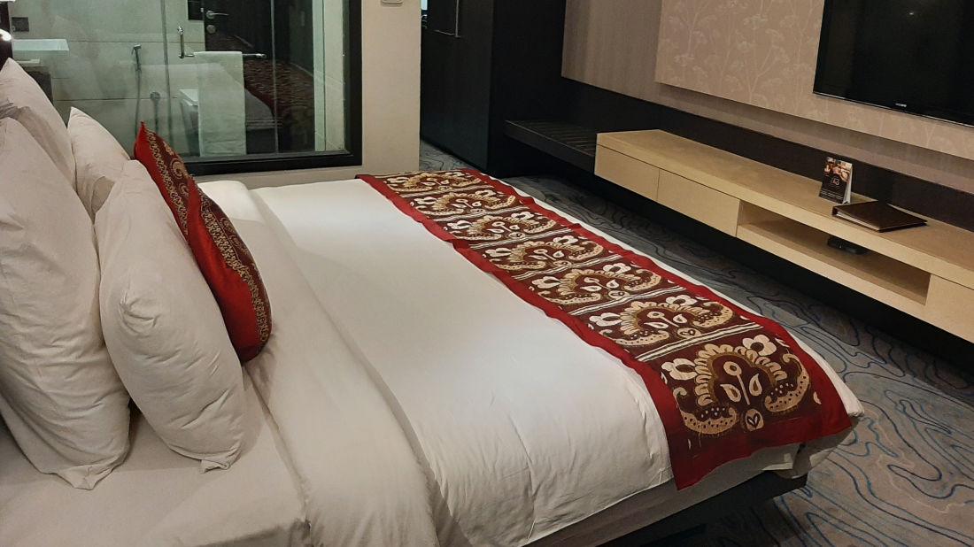 deluxe room at Narayani Heights hotel ahmedabad, room in ahmedabad 1