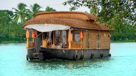 5 - Copy, Houseboats in Alleppey, luxury houseboats in Alleppey, premium houseboats in Alleppey, backwater cruise in Kerala, luxury houseboats in Kumarakom, houseboat cruise in Kumarakom, best houseboats in Kerala