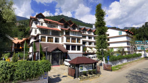 Renest River Country Resort  Manali Facade  day view