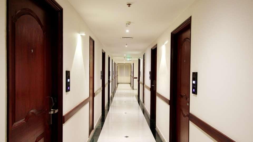 04 Corridor 1