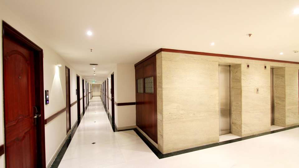 04 Corridor 2