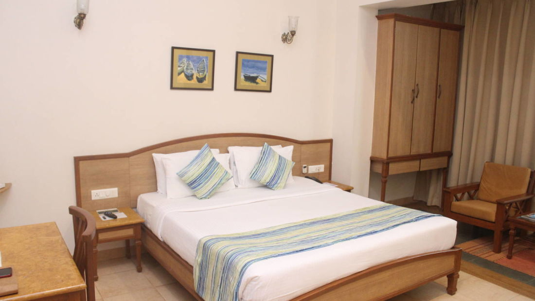 Best resorts in goa  Resort in Calangute  North Goa  suites in Goa  Calangute Beach  hotel rooms in North GoaQuality Inn OCean Palms- Palm room 1