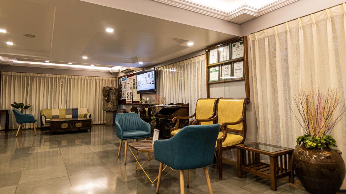 Best resorts in goa  Resort in Calangute  North Goa  suites in Goa  Calangute Beach  hotel rooms in North GoaQuality Inn Ocean Palms  - Lobby